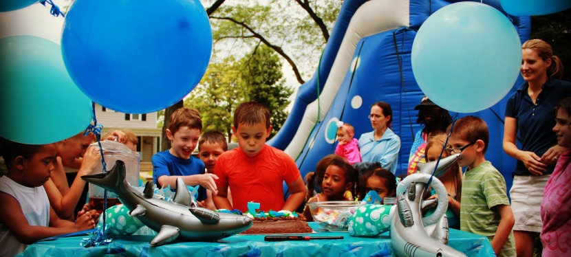 Plan a Perfect Birthday Party for Your Kids With This 7 Point Checklist