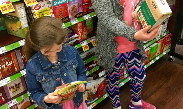 6 Reasons Why You Should Grocery Shop with YourKids