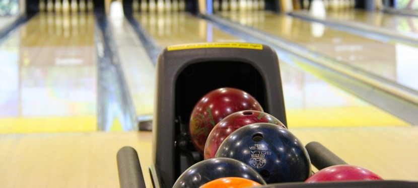 7 Reasons Why Bowling Is a Fun Night Out forMoms