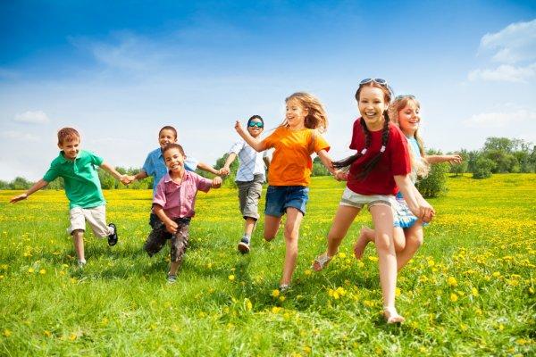 depositphotos_28480901-stock-photo-group-of-happy-running-kids